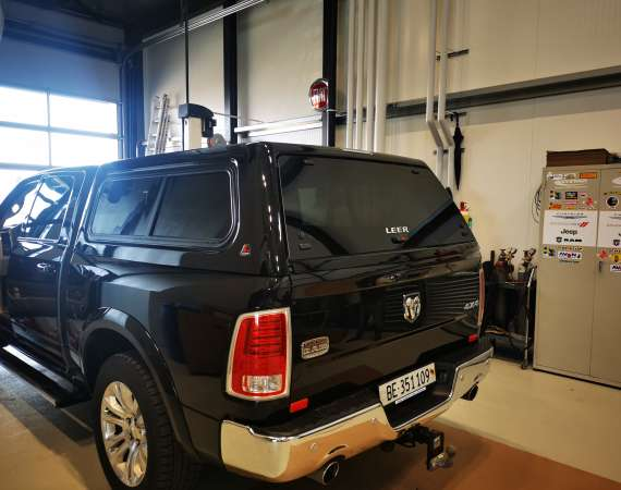 LEER HARD TOP UND TONNEAU COVER